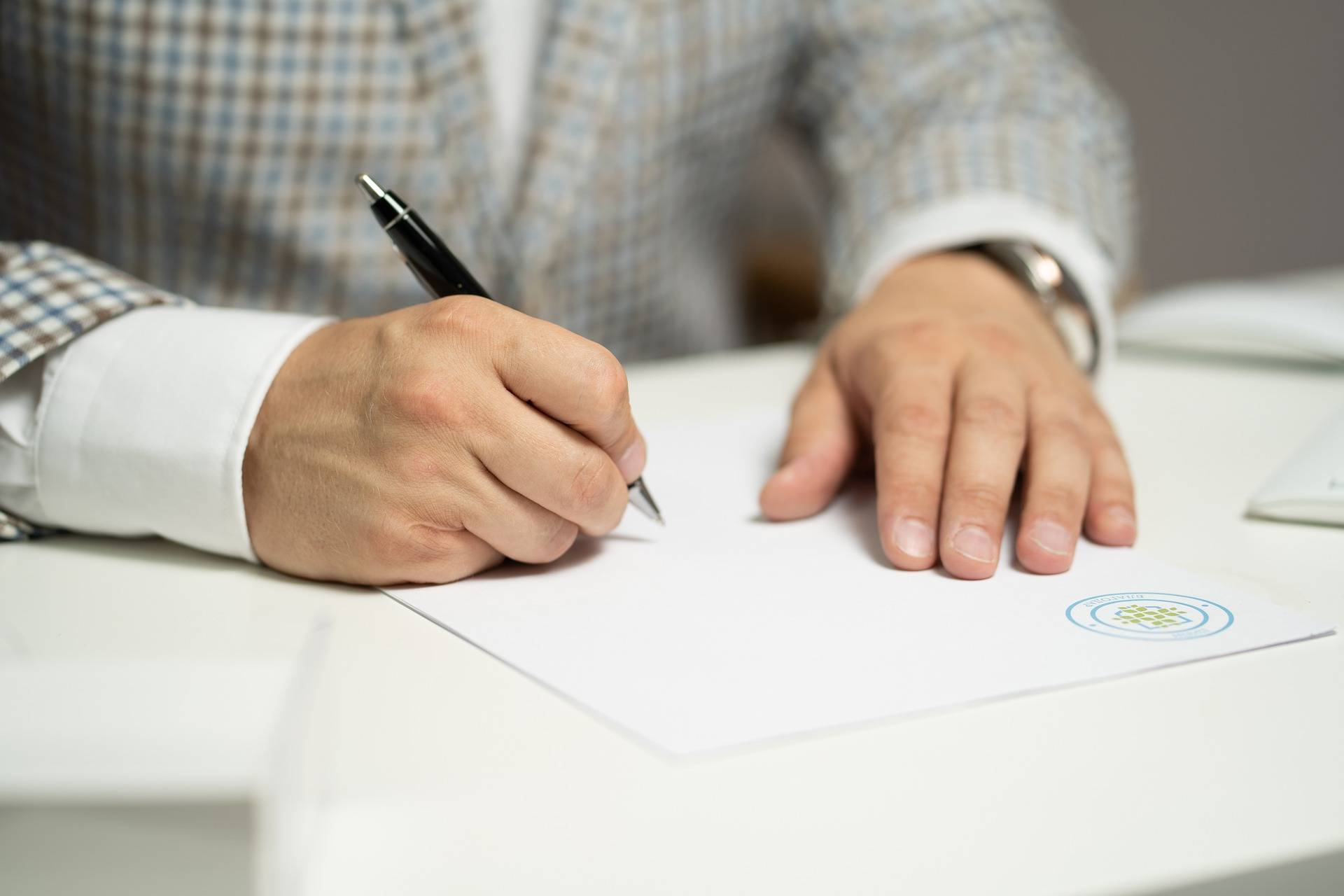 What Are Living Wills and Power of Attorney Documents for Healthcare?